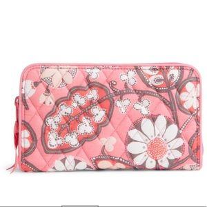 New Vera Bradley Accordion Wallet - Blush Pink